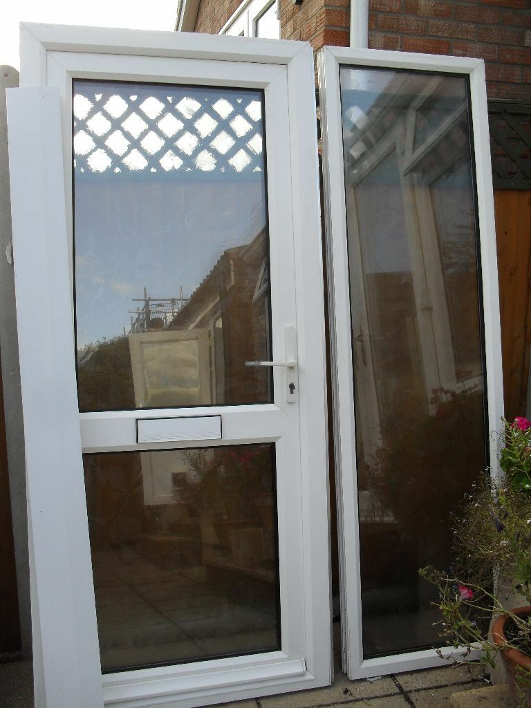 ANGLIAN WHITE UPVC DOUBLE GLAZED FRONT DOOR AND SIDE PANEL : anglian door - pezcame.com