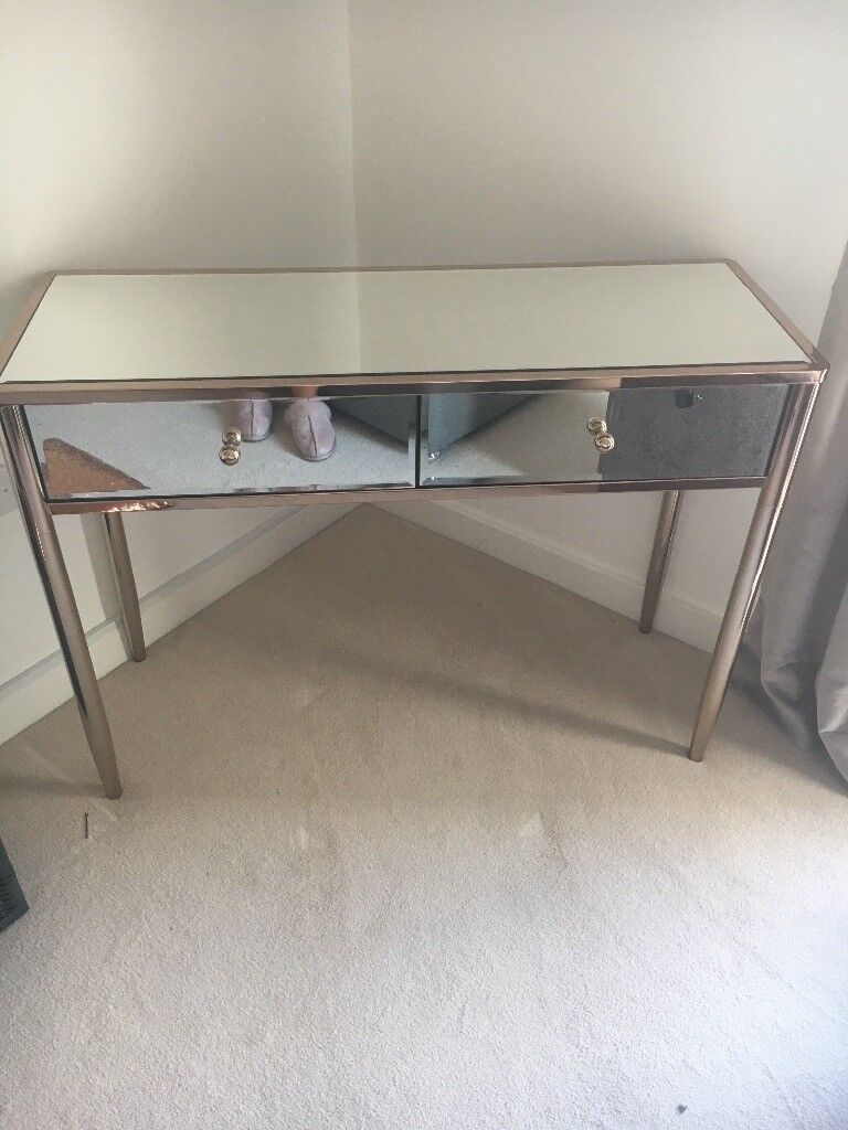 Charmant Glass Dressing Table
