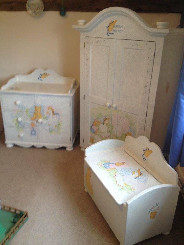Superbe Nursery Furniture Bespoke Painted Nursery Friends From Harrods 3 Units Kids  Room Wardrobe Chest Etc.