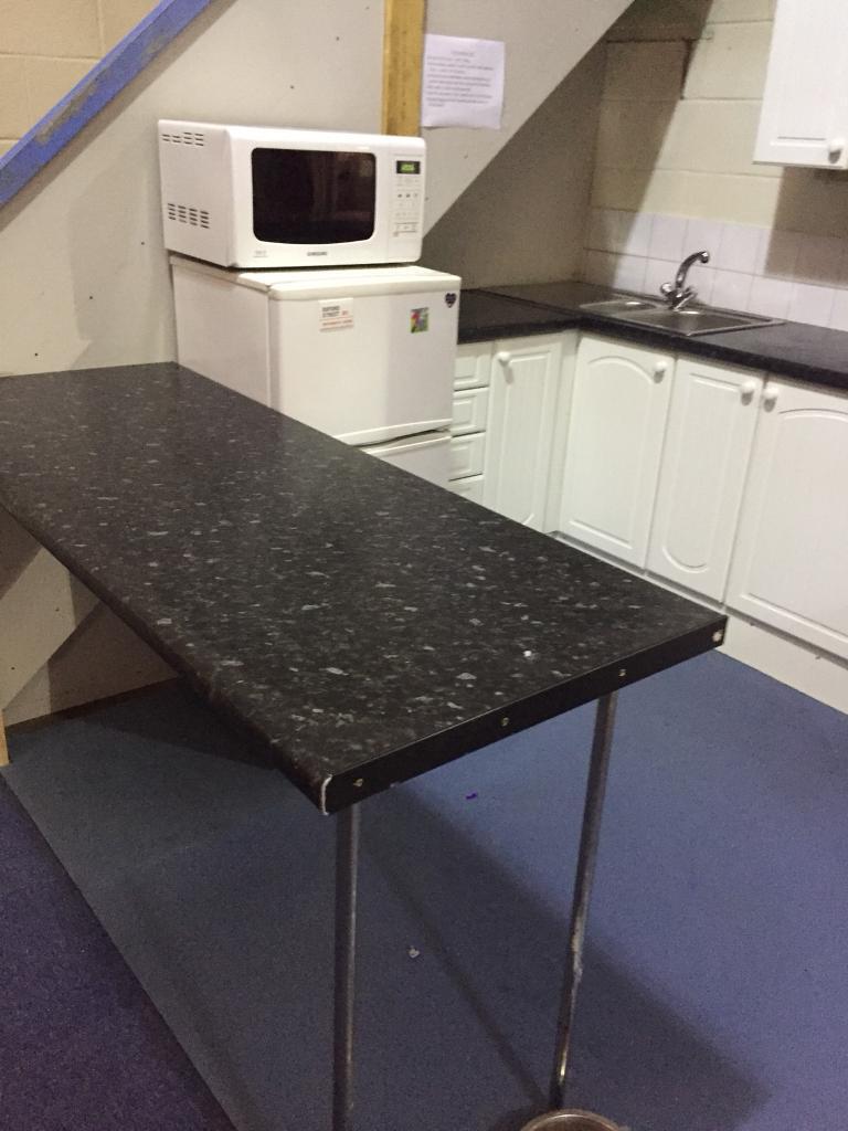 Breakfast Bar Kitchen Worktop With Stands