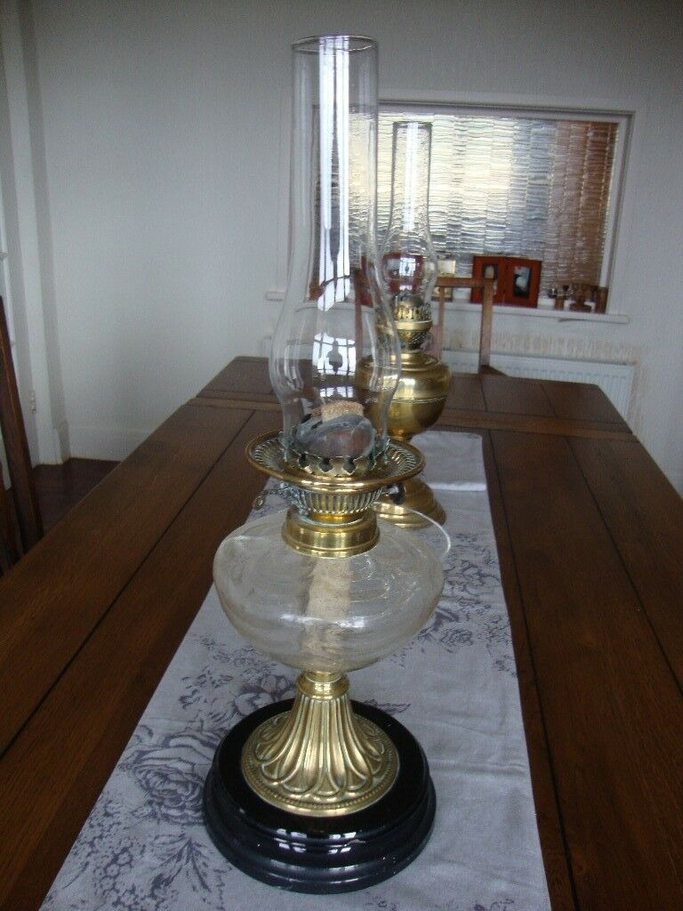 Antique Brass Oil Lamp With Glass Reservoir.