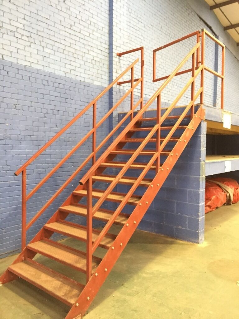 Superior Galvanized Steel Metal Fire Escape Staircase / Industrial Factory Warehouse  Stairs