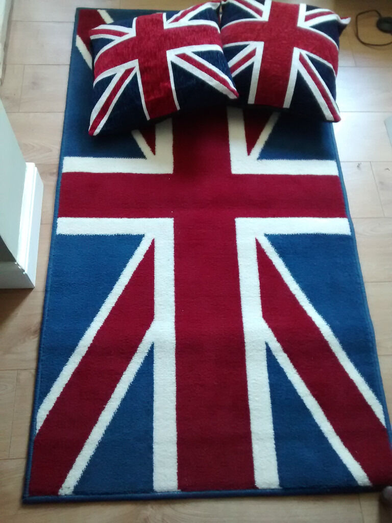 Union Jack Rug And 2 X Cushions In Barrow Upon Humber