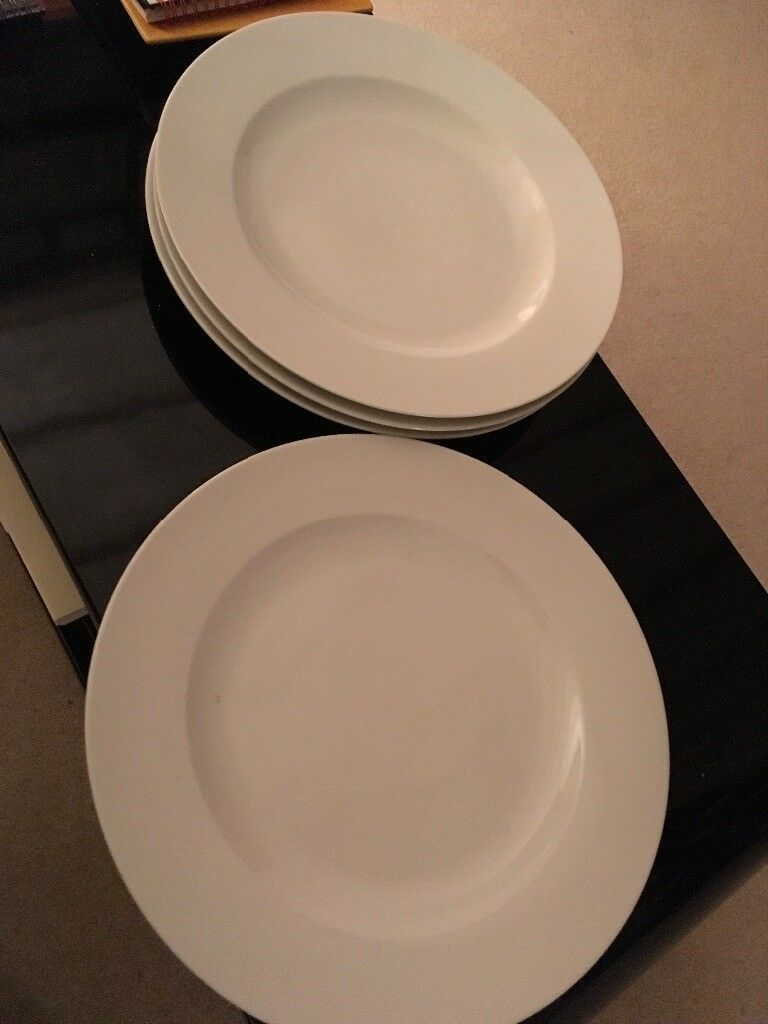 Four large white dinner plates & Four large white dinner plates | in Wallingford Oxfordshire | Gumtree