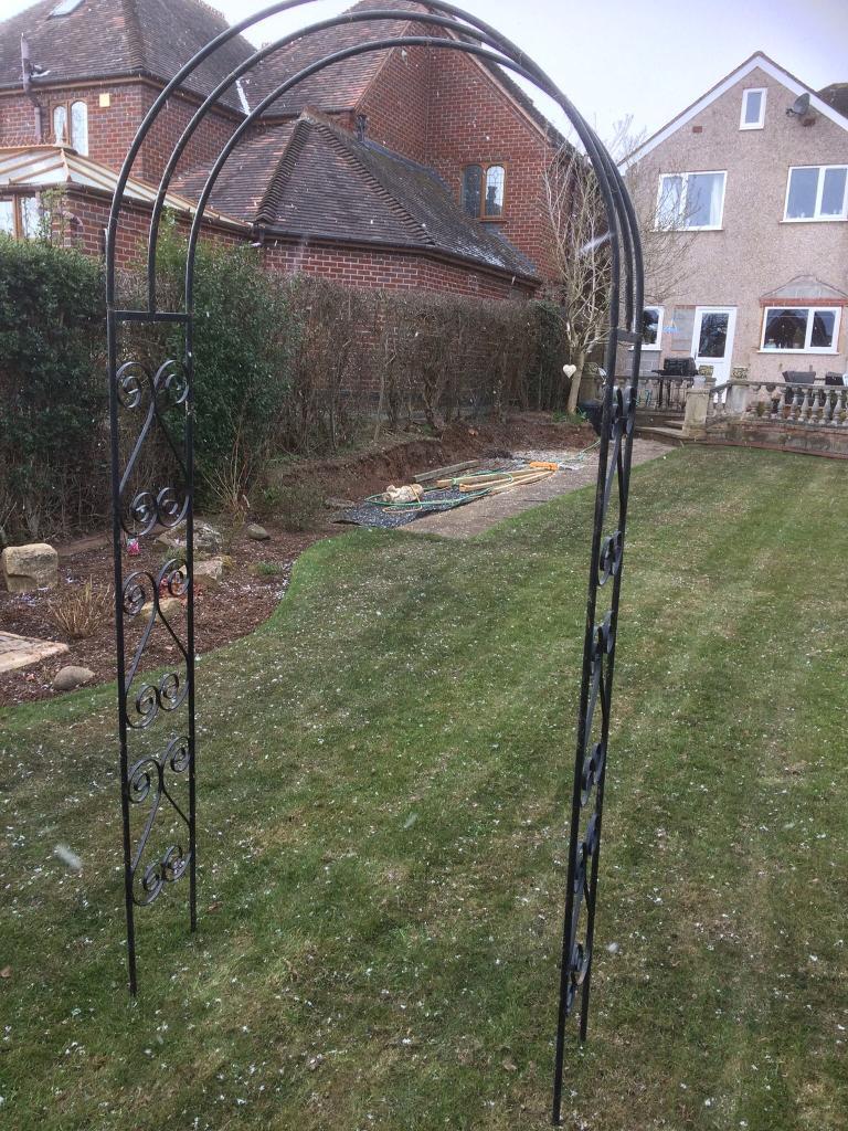 Black Metal Garden Arch