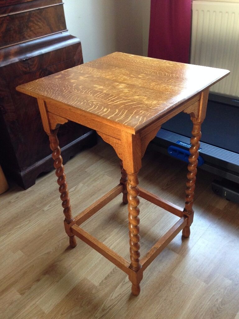 Solid Oak Barley Twist Side Table In Excellent Condition With Attractive Barley  Twisted Legs