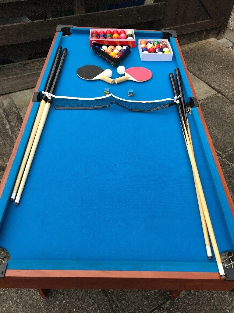 4.5 Foot Folding Pool Table With Balls And 4 Cues (BCE Table Sports   Le