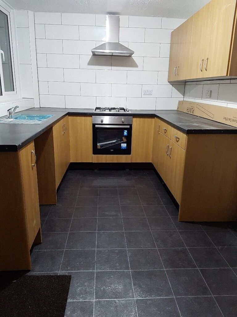 L27 Wood Lane, Good Sized [3 Bedroom] House To Rent, Private Landlord