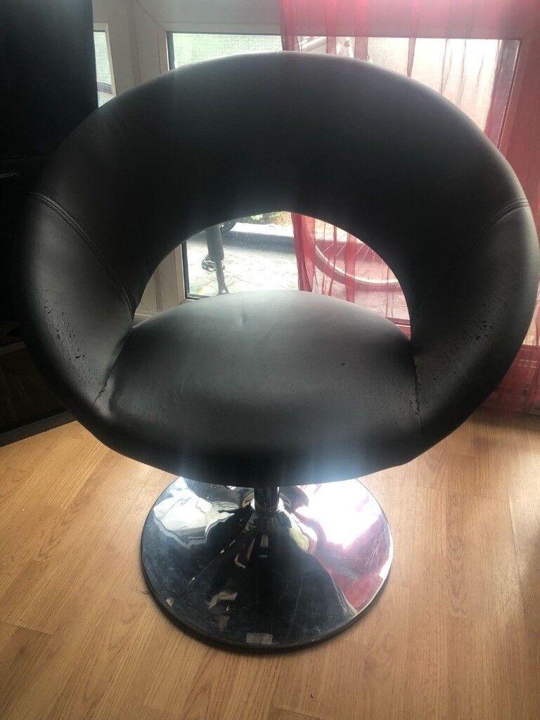 2 Dwell Chairs   Doughnut Chair Seating