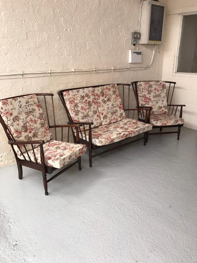 Vintage Cottage Suite / Conservatory Sofa Chairs
