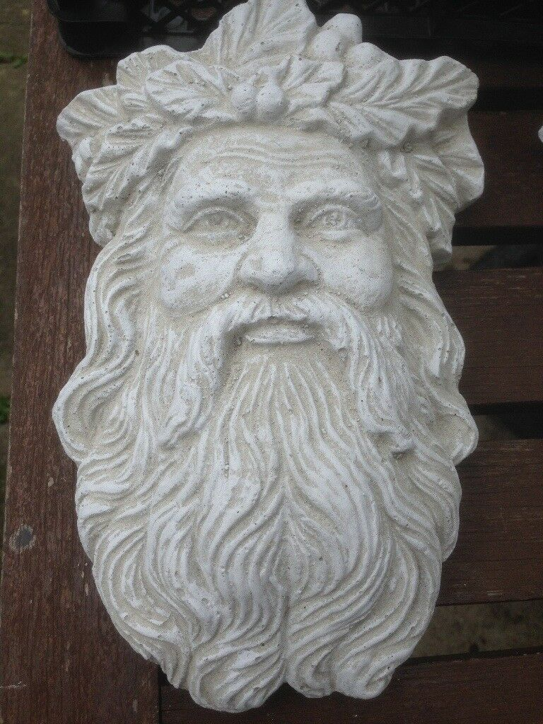 SMALL RECONSTITUTED STONE GREEN MAN GARDEN ORNAMENT