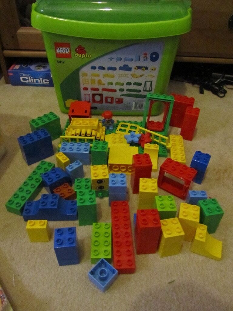 Lego Duplo Set 5417 With Storage Box Over 85 Pieces