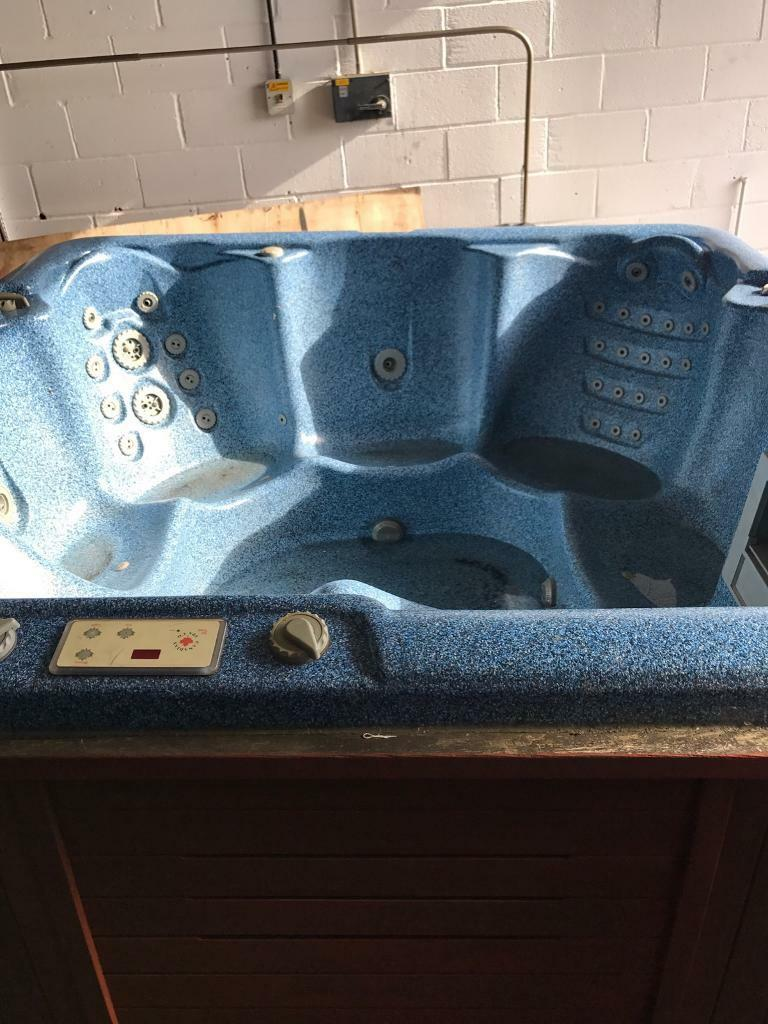 Used Canadian Spa Hot Tub