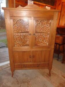 ANTIQUE PINE CORNER CABINRT & Pine Corner Cabinet   Buy or Sell Hutchs u0026 Display Cabinets in ...