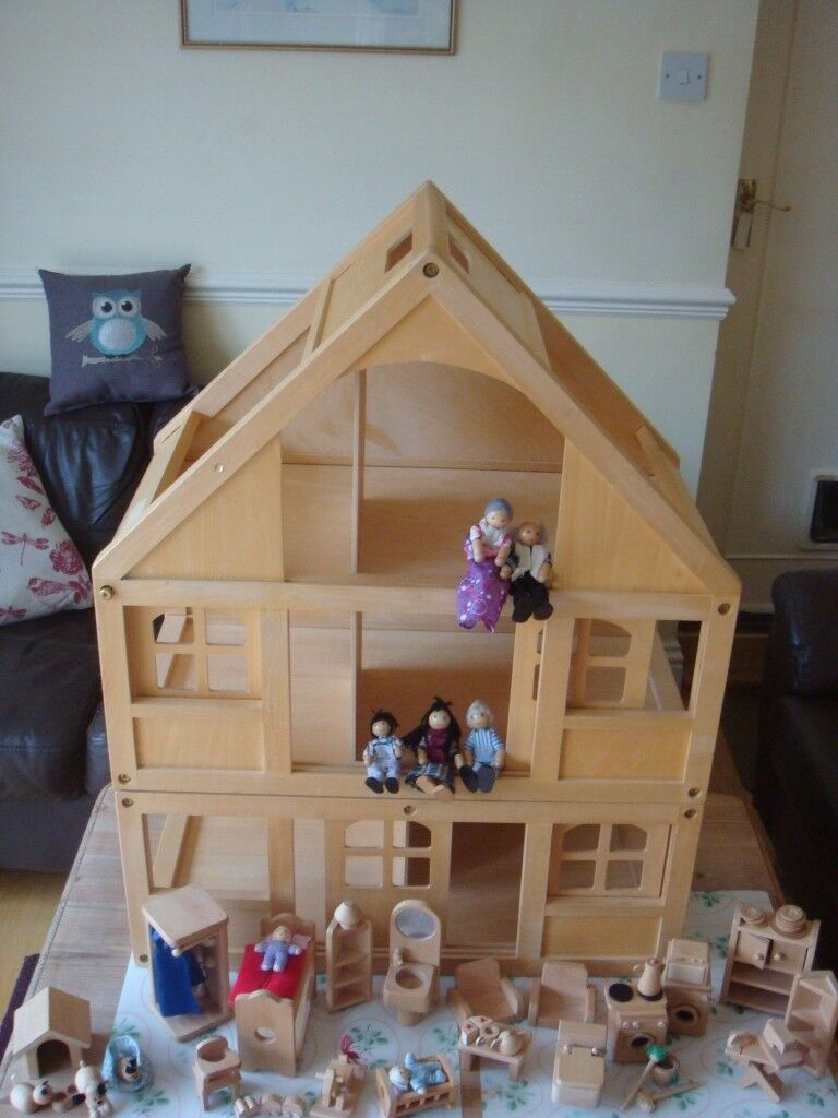 ELC (early Learning Centre) WOODEN DOLLS HOUSE Furniture 7 Dolls And More  (see
