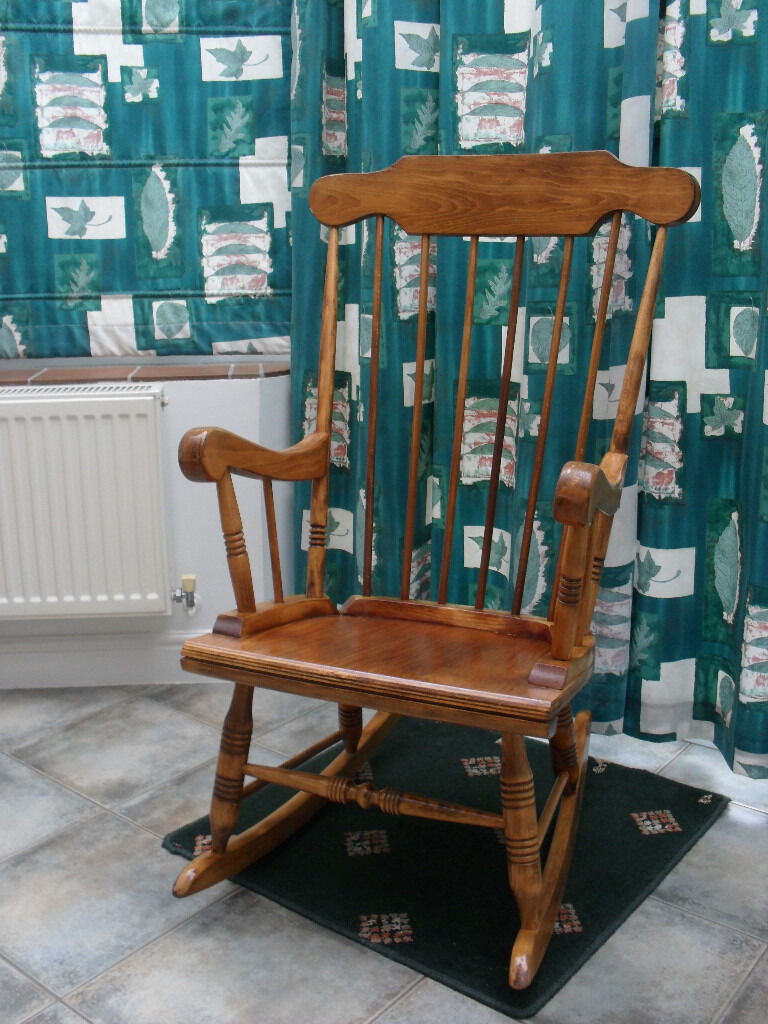 Rocking Chair In Antique Pine