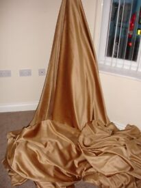 ROLL OF GOLD VELVET SUITABLE FOR CURTAINS OR UPHOLSTERY