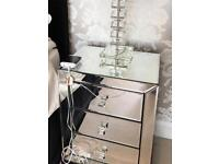 Mirrored 3 drawer bedside table (damaged)