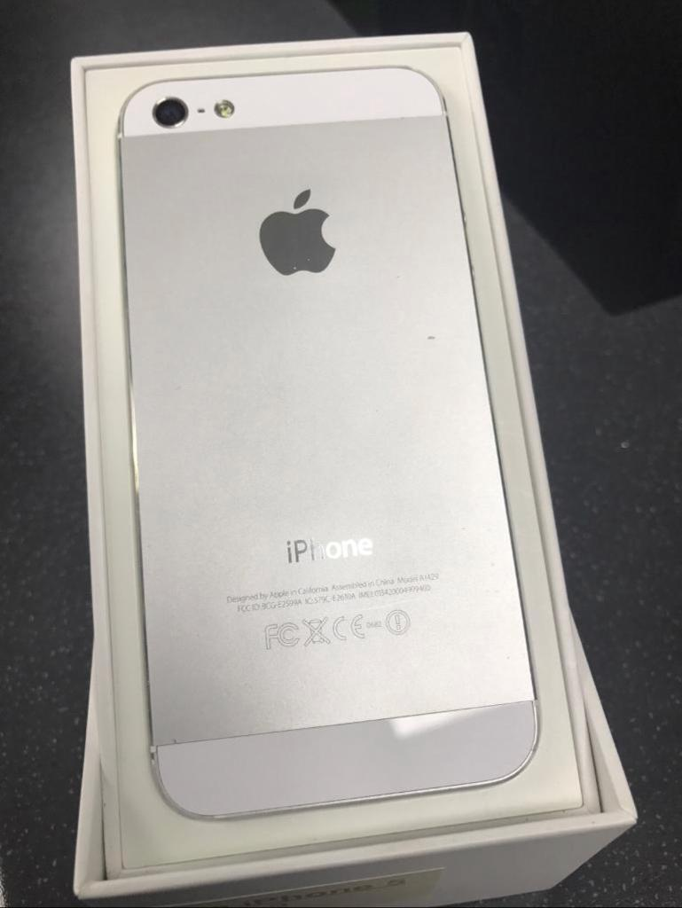 Beautiful iPhone 5 16 gb White O2 network can deliver