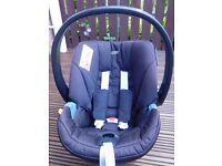 Aton Mamas&Papas car seat and ISOFIX base