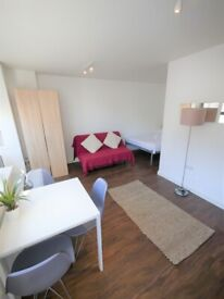Cozy Studio Near Beach & Town Centre for HOLIDAYS ONLY
