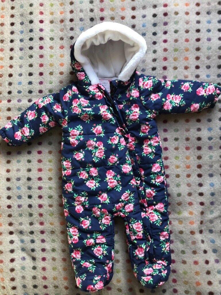 50ec9e428 Girls snow suit 3-6 months TU