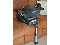 Maxi Cosi Pebble baby seat and Easybase 2