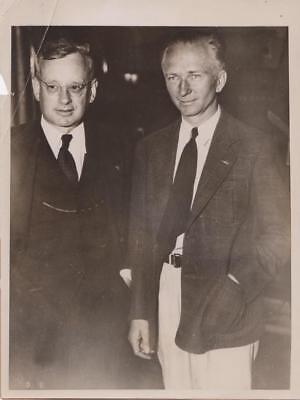 Aviator Chamberlin Visits Gov. Alfred Landon 6/11/36 - military still