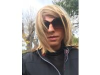 Transsexual girl looking for girls only house share
