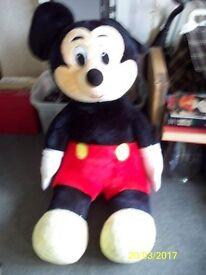 giant micket mouse teddy bear