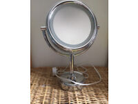 Boots No7 Illuminated Make up Mirror, good as new condition
