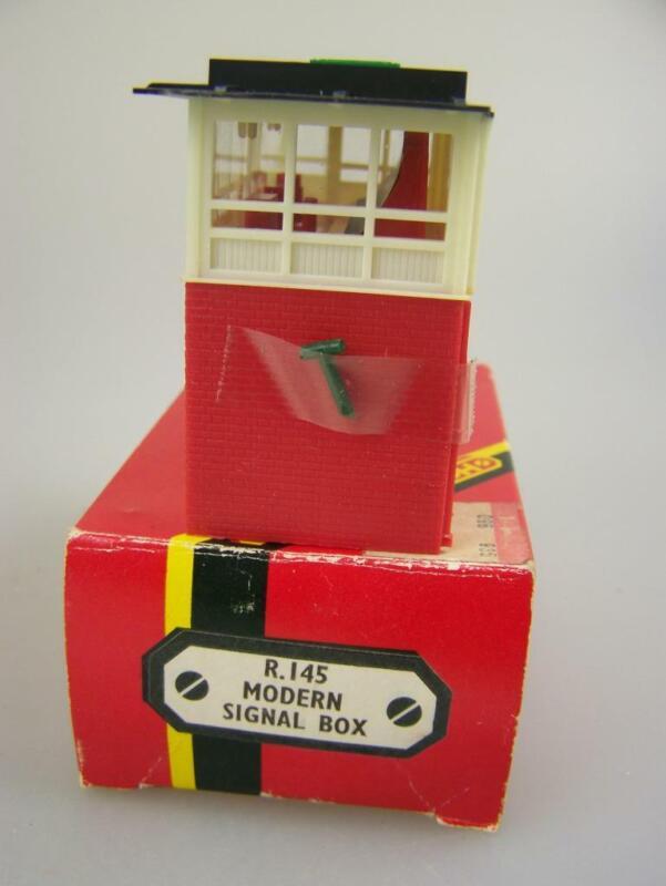 Hornby Railways boxed R.145 Modern Signal Box