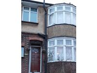 SPACIOUS 3 / 4 BED HOUSE IN LUTON LU1 £260000.