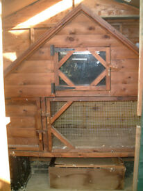 Good condition Outdoor rabbit, guinea pig Hutch.....but never used outside
