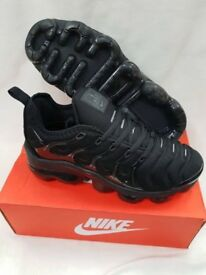 Brand new Nike vapourmax plus black