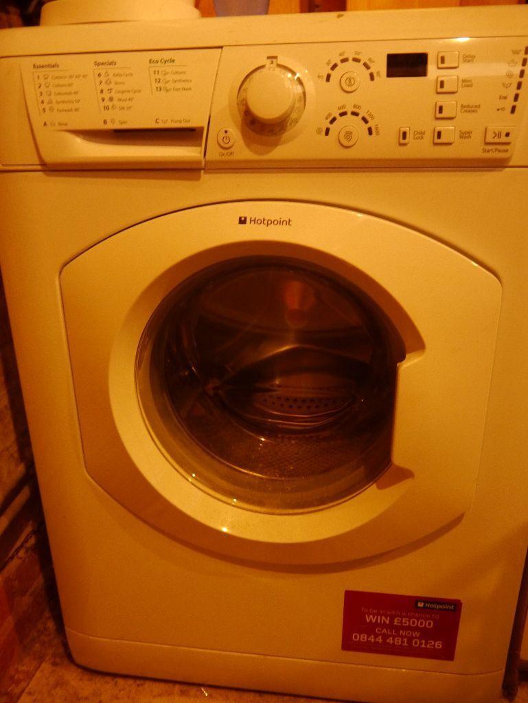 Hotpoint Aquarius Wmf760 7kg 1600 Spin Washing Machine With Manual
