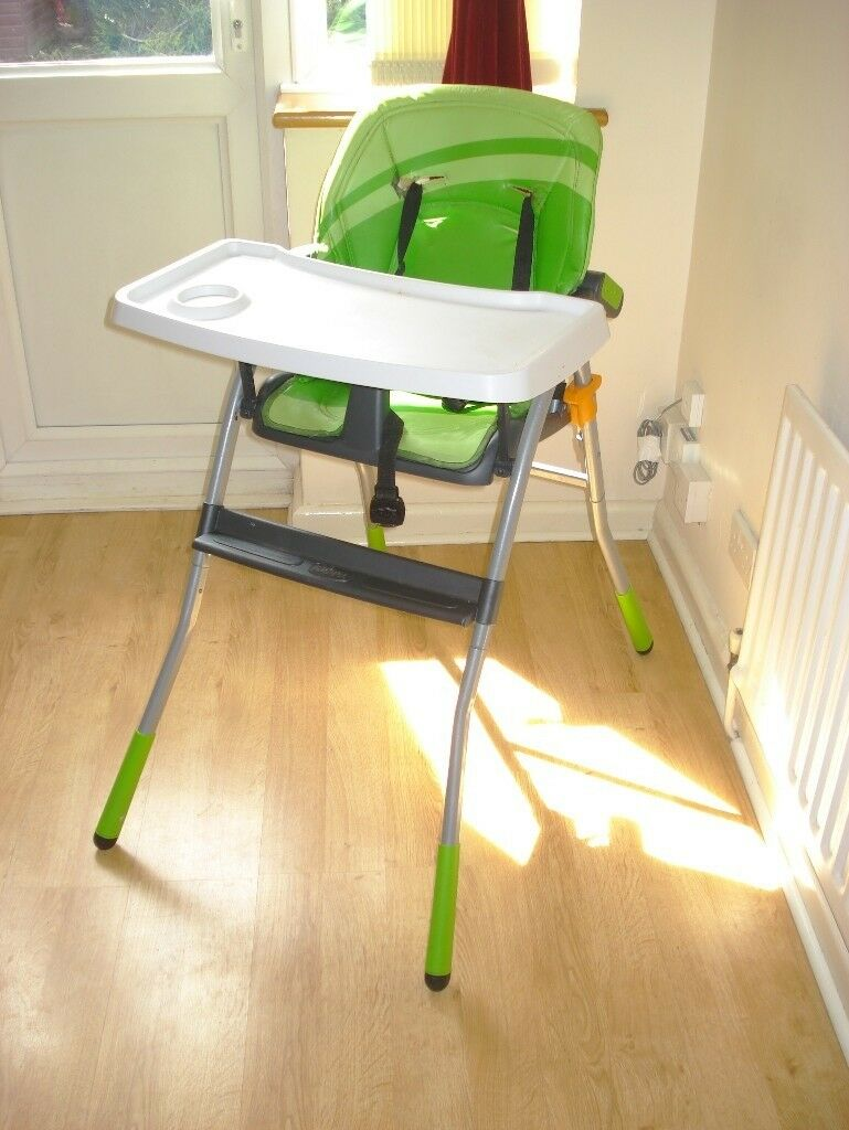 Childs High Chair Chiccoin Stanmore, London - The Chicco highchair is packed full of convenient features to help make dinner time simple. With a wide seat, a foot rest and 3 adjustable backrest positions, you can always find that perfect angle to ensure your little one's comfort. The height of...