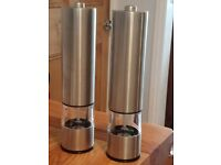 NEW Electric salt and pepper mills