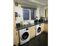 Double Room With Balcony, All Bills, £800 A Mount.(Available Now).