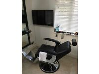 Professional Barber offers Top Class Haircut and Massage