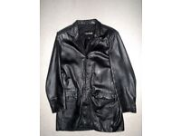 Man's Leather jacket size M 3/4 line.