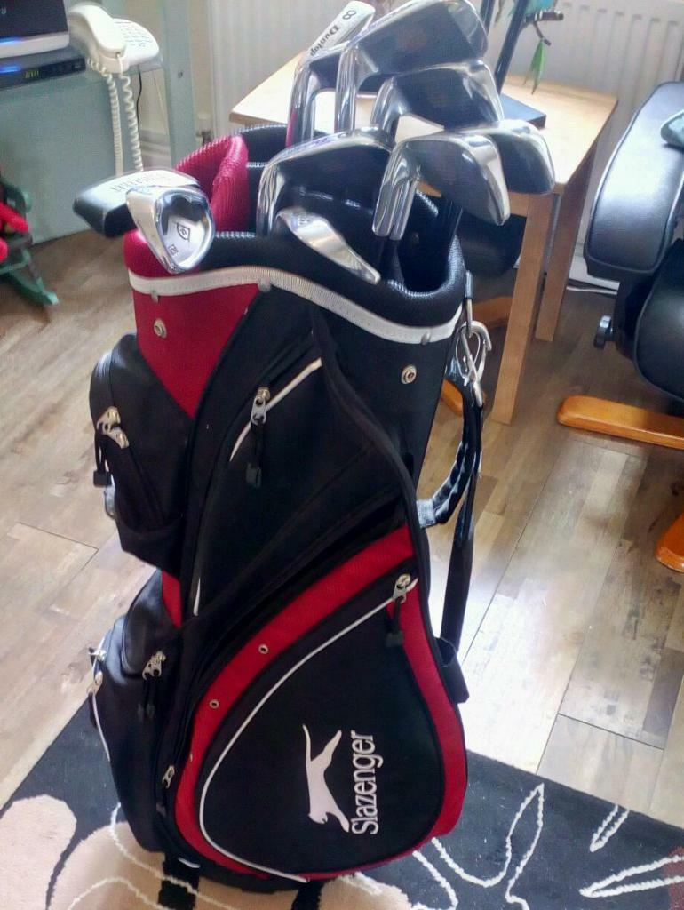 DUNLOP 65i GOLF CLUB SETin Helsby, CheshireGumtree - DUNLOP 65i GOLF CLUB SET Dunlop 65i Metal Woods 1, 3 & 5With Performance Graphite Shafts Dunlop 65i Irons 3, 4, 5, 6, 7, 8, 9, PW & SWWith Performance Graphite Shafts Pinsetter Putter BRAND NEW Slazenger Black & Red Golf Bag£55.00All in great...