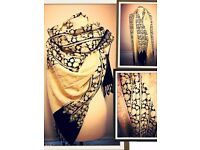 Type: New Scarf Size: L Colour: Black& Beige with Sparkly detail
