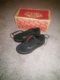 Girls vans old school new in box