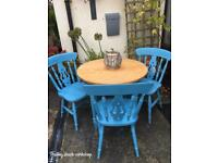 Gorgeous pine farmhouse style table and chairs
