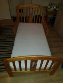 Wodden toddlers bed