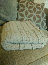 Grey Chunky Throw