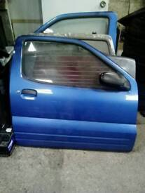Suzuki ignis sport drivers door