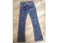 ladies dark blue D&G jeans low waist 26 inch; leg33 inch, size 8