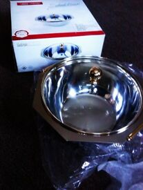 BRAND NEW BOXED VERY GOOD QUALITY VERSATILE SALAD, POTATOES, RICE, FRUIT BOWL & LID
